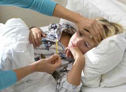 Чем сбить температуру 39-395 у ребенка быстро, и что